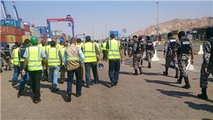 Aqaba Container Terminal employees insist on open-ended strike
