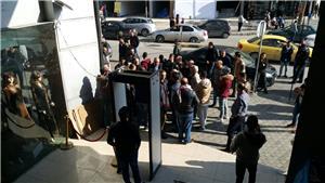 تجار مكسيم مول يواصلون اعتصامهم للمطالبة بخفض الإيجارات